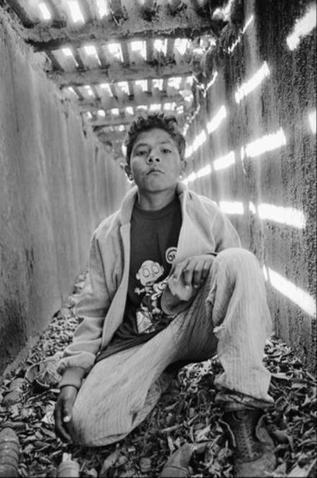 Rame.  Sin título. Serie carnales bajo el puente. 1999 (carpeta de la reserva de la biósfera). Piezografía s/papel de algodón.  Papel 69 x 52 cm.  Impresión 55 x 36 cm.